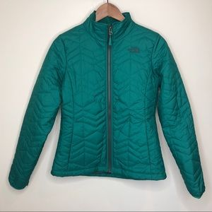 North Face women's quilted green jacket small